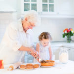 Elderly Care in The Heights TX: Five Hobbies Your Mom Will Love Doing With Her Grandchildren